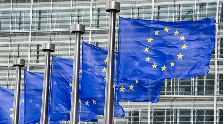 EU Roaming Charges Set To Remain Till 2018